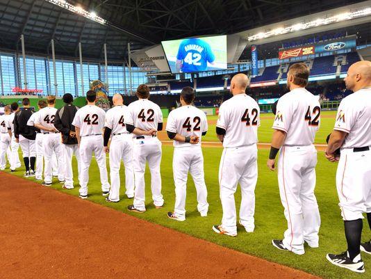 MLB honors Jackie Robinson