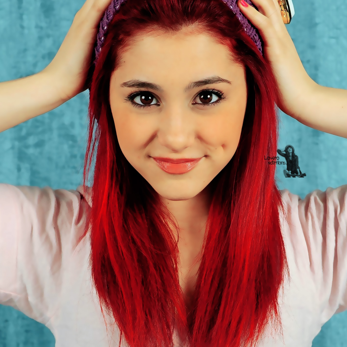 Ariana-Grande-Red-Hair