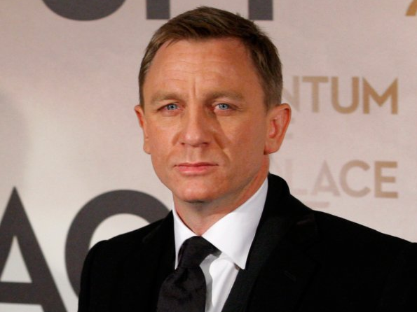 Daniel-Craig-or-James-Bond-once-had-to-sleep-on-park-benches-in-London-.jpg