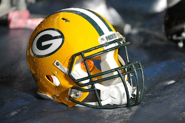 Green-Bay-Packers-Helmet-Frederick-Breedon-Getty-Images