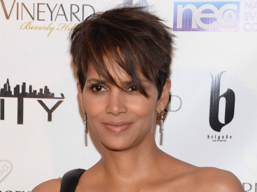 Oscar-winner-Halle-Berry-once-stayed-in-a-homeless-shelter-in-her-early-20s-