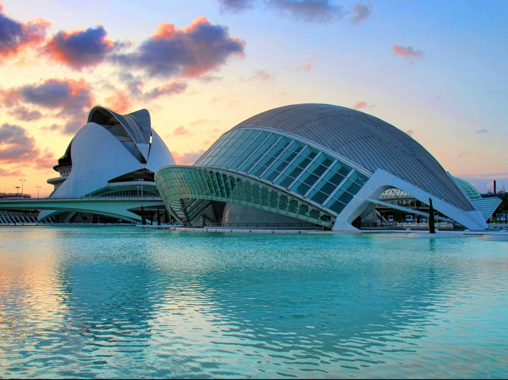 The-City-of-Arts-and-Sciences-in-Valencia-Spain-houses-an-aquarium-an-opera-house-and-an-IMAX-theatre-all-in-one-