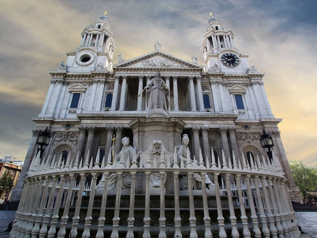 The-legendary-architect-Christopher-Wren-designed-St-Pauls-Cathedral-arguably-the-center-of-London-It-opened-in-1708-
