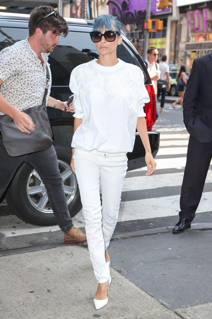 celeb-white-dress-nicole-richie_183404285178.jpg_gallery_max