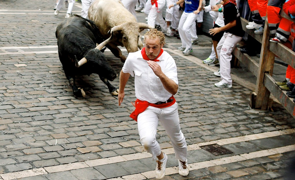 running-of-the-bulls-spain-pamplona-1024x627