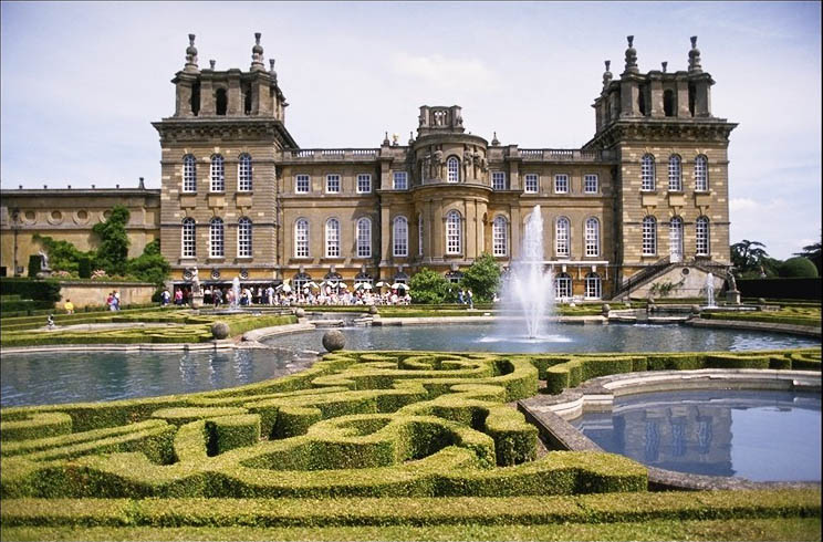spectacular U.K. Estates