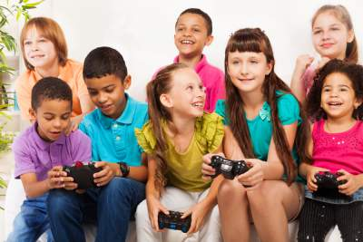 Video games teach children to delegate responsibility
