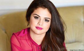 Selena Gomez Battles