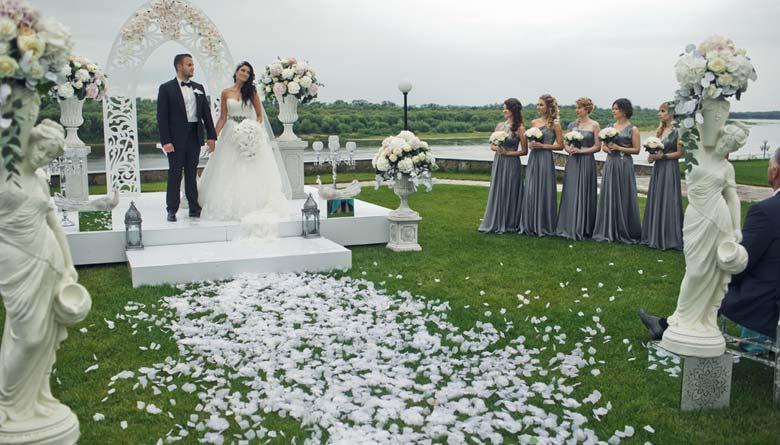10 Amazing Spots around the World for a Destination Wedding