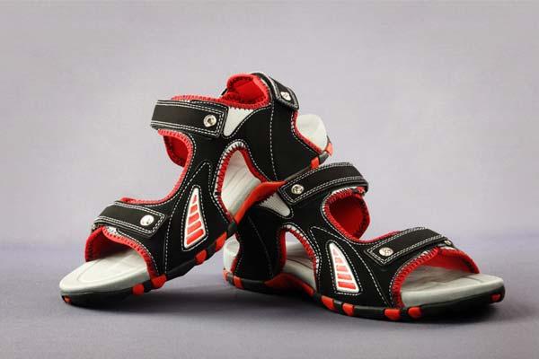 Strap Sandals or Flip Flops