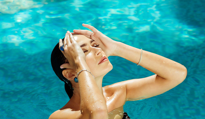 What Happens To Your Skin on Wearing Makeup While Swimming