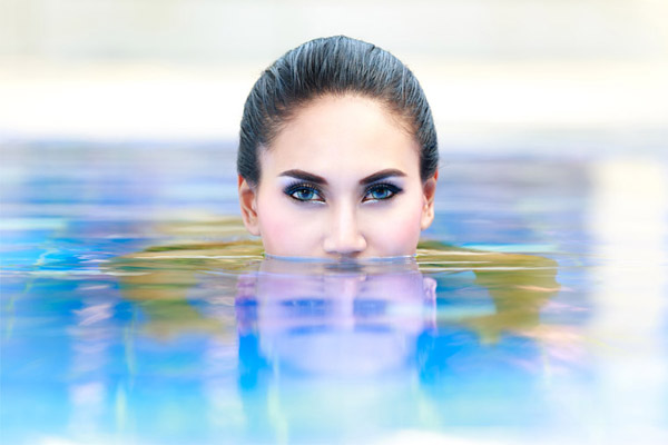 Swimming With Makeup On – Good Or Bad