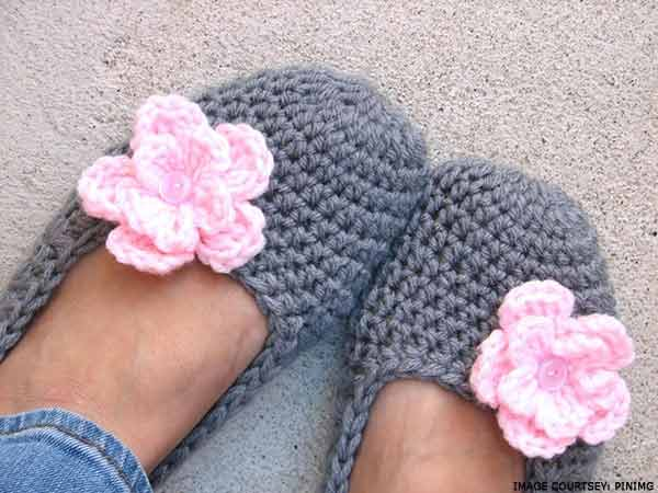 flower-crochet-slippers