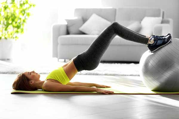 girl doing workout at home