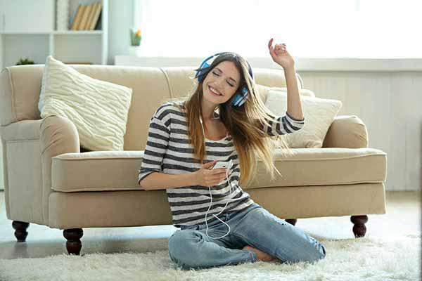 girl listening songs