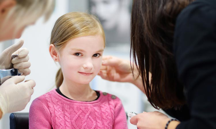 Tips to Prepare Your Daughter For Her First Ear Piercing