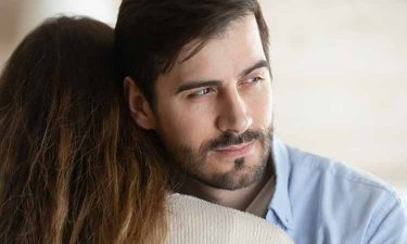 Are You Really Happy in Your Relationship? Signs that You and Your Partner Are Pretending to Be in Love